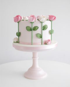 Roses cake on cake stand